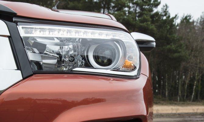 Юбилейный пикап Toyota Hilux Exclusive 2018 4