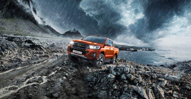 Юбилейный пикап Toyota Hilux Exclusive 2018 2