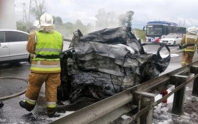 Двое сгорели в машине после ДТП в Петербурге