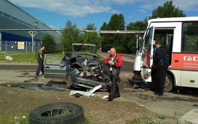 ВТверив ДТП с автобусом пострадали три человека