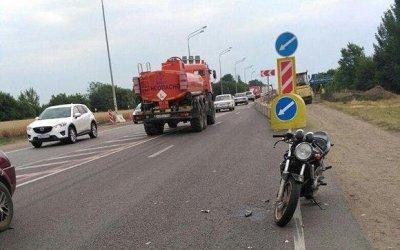 Три человека на мотоцикле пострадали в ДТП на Кубани