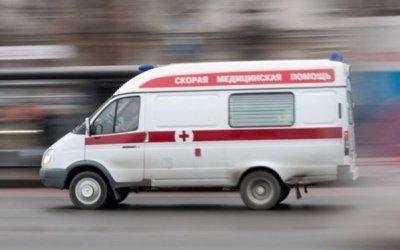 Водитель легковушки пострадал в ДТП с грузовиком в Москве
