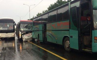 Четыре человека пострадали в ДТП с автобусами под Воронежем