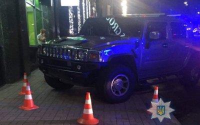 В Киеве парень на «Хаммере» насмерть сбил 10-летнюю москвичку
