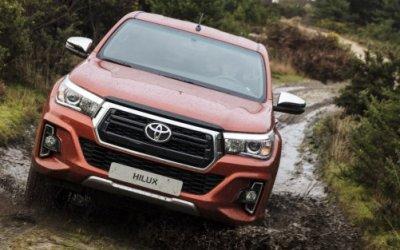 Пикап Toyota Hilux получил юбилейную версию для российского рынка