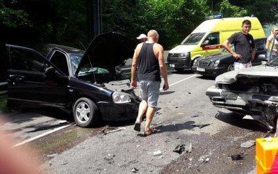 Два человека погибли в лобовом ДТП в Сочи