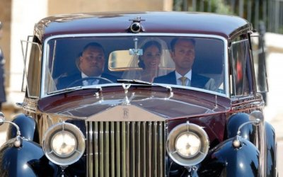 Несколько Rolls-Royce королевской семьи продадут на аукционе в Британии