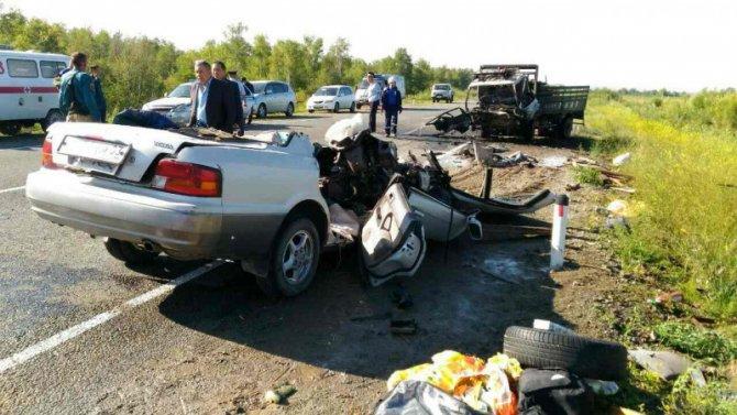 Пять человек погибли в ДТП с грузовиком в Бурятии (1)