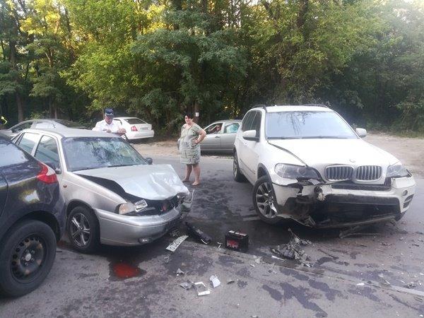 Мужчина и трое детей пострадали в ДТП в Ростове-на-Дону