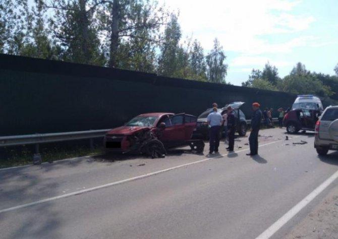 Шесть человек пострадали в тройном ДТП в Тульской области (1)