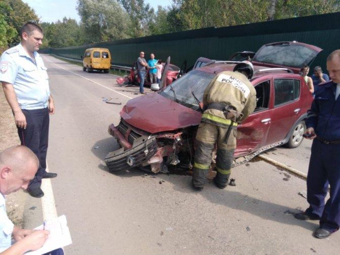 Шесть человек пострадали в тройном ДТП в Тульской области (2)