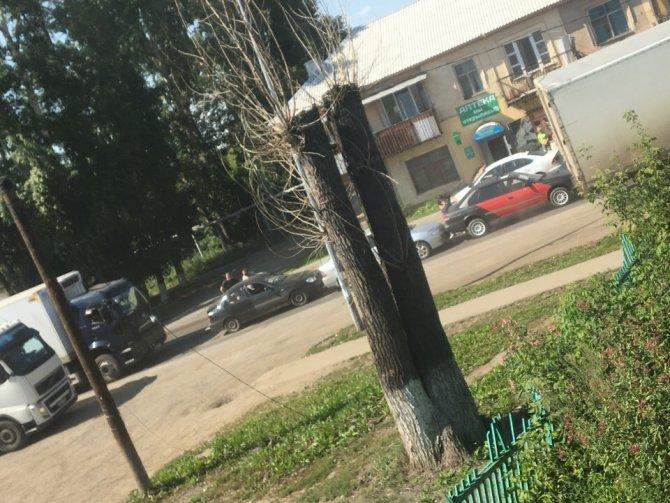 В Кемерове столкнулись четыре автомобиля