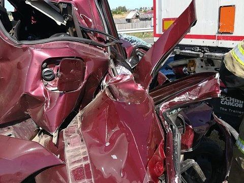 Четыре человека погибли вмассовом ДТП в Татарстане (3)
