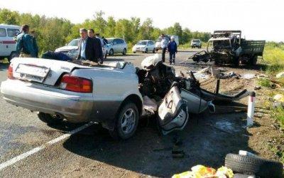 Пять человек погибли в ДТП с грузовиком в Бурятии
