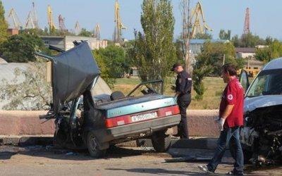 В массовом ДТП в Керчи погиб человек