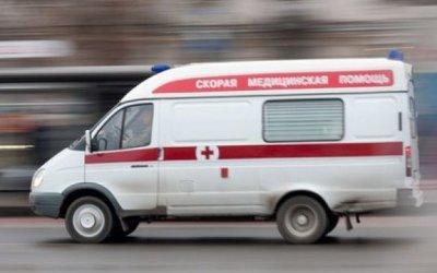 В Ленобласти автомобиль сбил женщину с детьми: погибла 3-летняя девочка