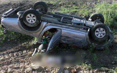 Женщина-водитель погибла в опрокинувшейся машине в Рязанской области