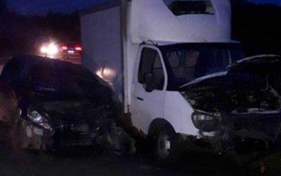 Младенец погиб в ДТП с грузовиком в Омске