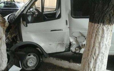 В ДТП с маршруткой в Астрахани пострадали пассажиры