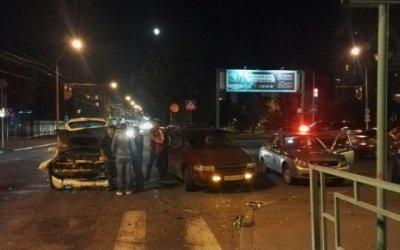 Три человека пострадали в ДТП в центре Барнаула