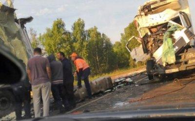 Фура насмерть задавила молодого человека в Новосибирской области