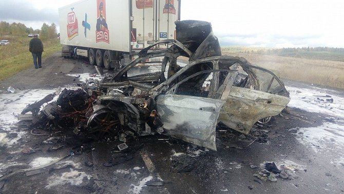 Три человека погибли в ДТП на М-5 в Челябинской области (3)