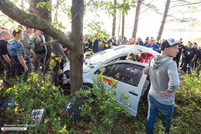 Ралли «Санкт-Петербург - 2018» были остановлены из-за аварии 8
