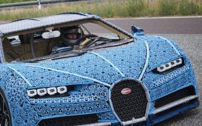 Автомобиль, собранный изконструктора Lego, прошёл тест нанастоящей трассе снастоящим гонщиком зарулём