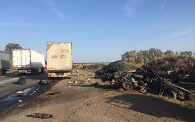Четверо, включая ребенка, погибли в ДТП с фурой под Воронежем