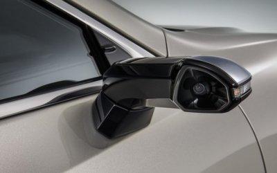 Серийный Lexus ES получит мониторы и камеры вместо боковых зеркал