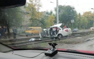 Водитель такси погиб в ДТП в Ульяновске