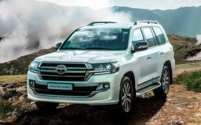 Toyota начала продажи нового Land Cruiser 200 Executive Lounge в России
