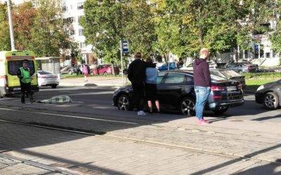 Во Фрунзенском районе Петербурга насмерть сбили пешехода