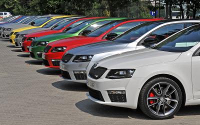 На 1000 россиян приходится 297 легковых автомобилей
