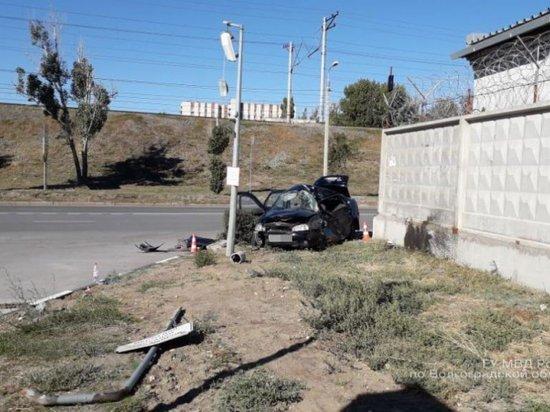 В центре Волгограда в ДТП погиб водитель «Калины»