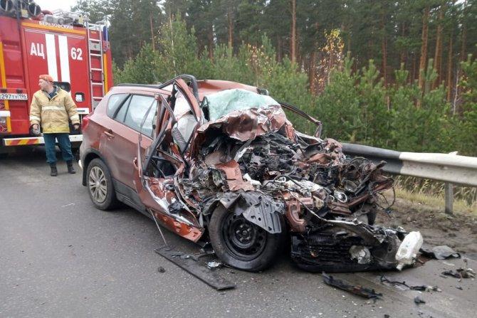 Три человека погибли в ДТП на Екатеринбургской кольцевой дороги (2)