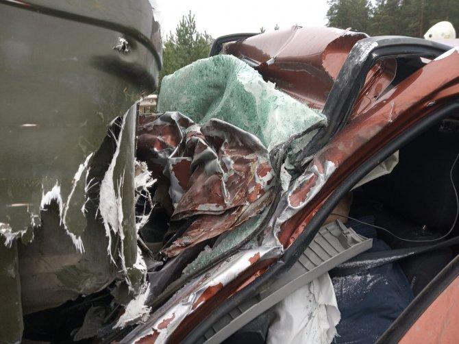 Три человека погибли в ДТП на Екатеринбургской кольцевой дороги (4)