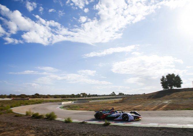 Audi e-tron FE05 #11 (Audi Sport ABT Schaeffler), Lucas di Grassi (2).jpg
