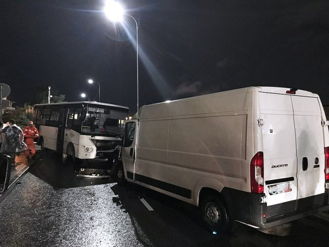 Четыре человека пострадали в ДТП с автобусом в Сочи (2)