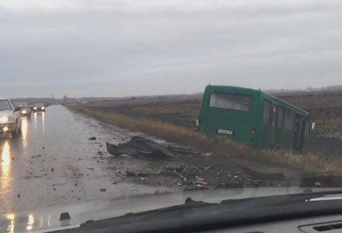 В ДТП с автобусов в Свердловской области погибли два человека (1)
