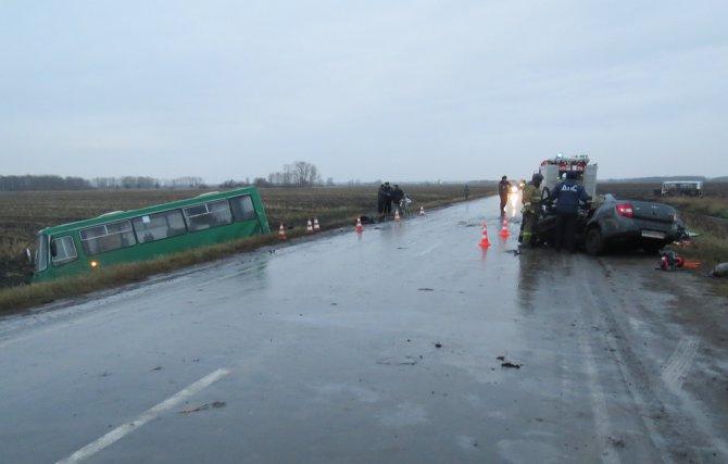 В ДТП с автобусов в Свердловской области погибли два человека (2)