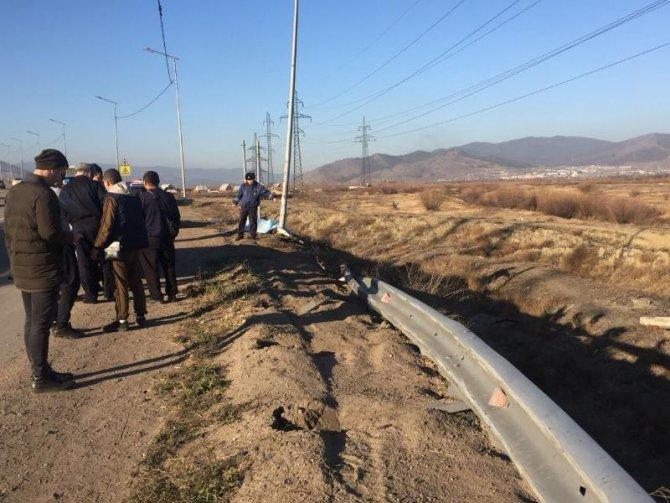 В Бурятии пассажирка автобуса погибла, выпав на дорогу (3)