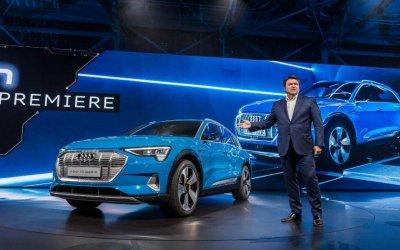 Audi представила вПариже свой первый кроссовер «набатарейках»