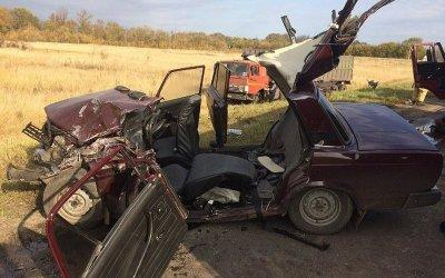 Водитель ВАЗа погиб в ДТП в Курской области