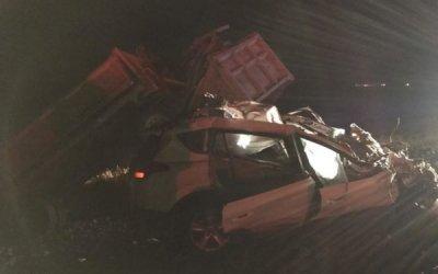 Водитель иномарки погиб в ДТП с грузовиком в Оренбургской области