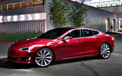 Впродажу поступила самая дешёвая Tesla
