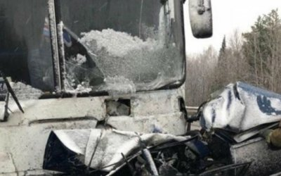 Мужчина и девочка погибли в ДТП в Кемеровской области