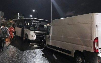 Четыре человека пострадали в ДТП с автобусом в Сочи
