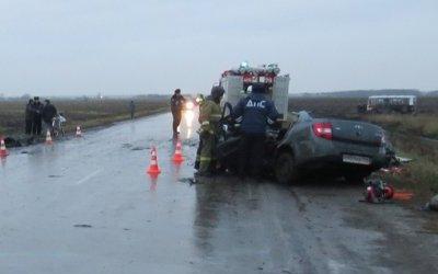 В ДТП с автобусом в Свердловской области погибли два человека