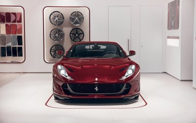 Ferrari 812 Superfast признан лучшим суперкаром года